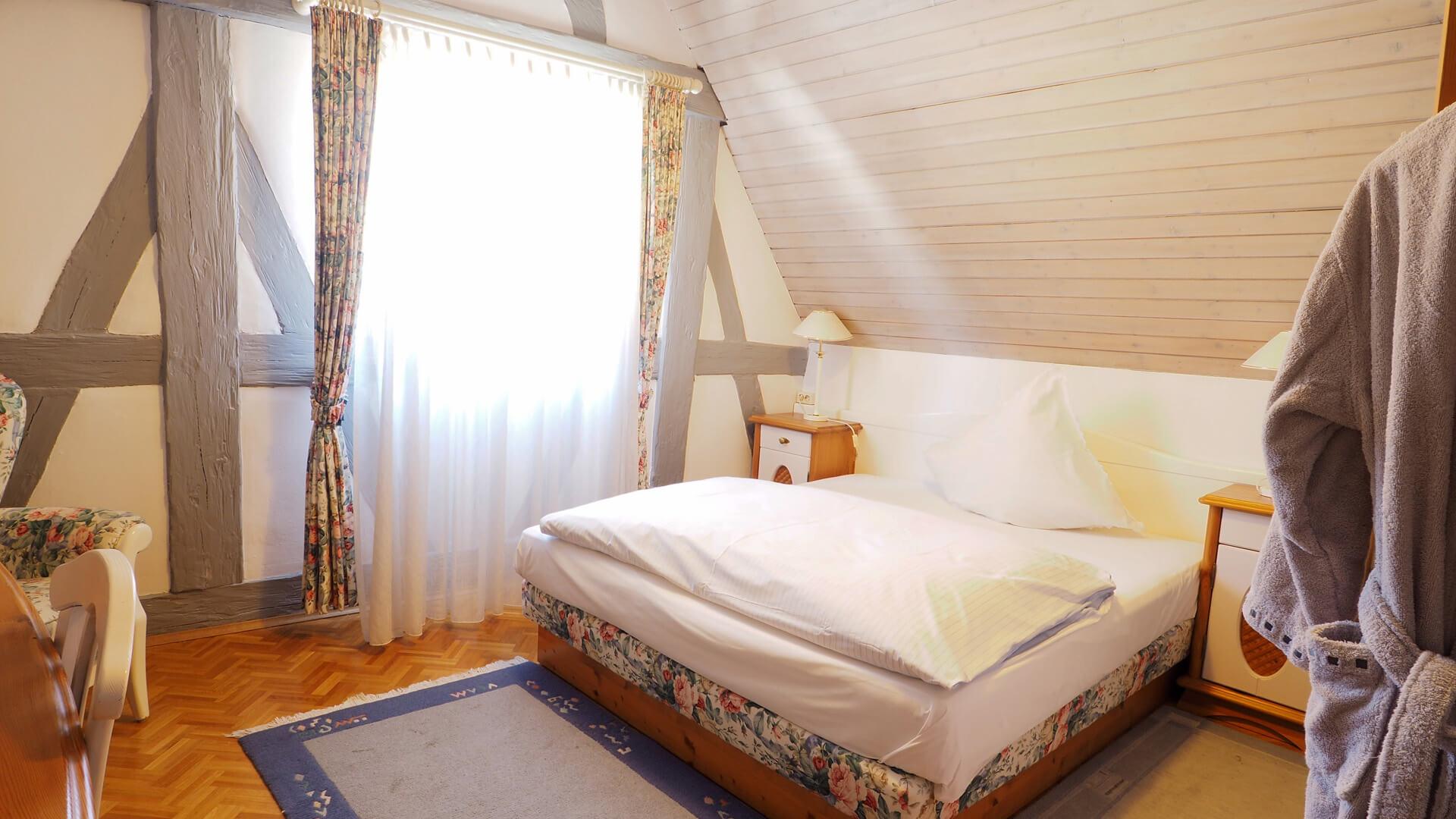 Einzelzimmer mit Französischem Bett| Hotel-Gasthof Schiff Horb am Neckar