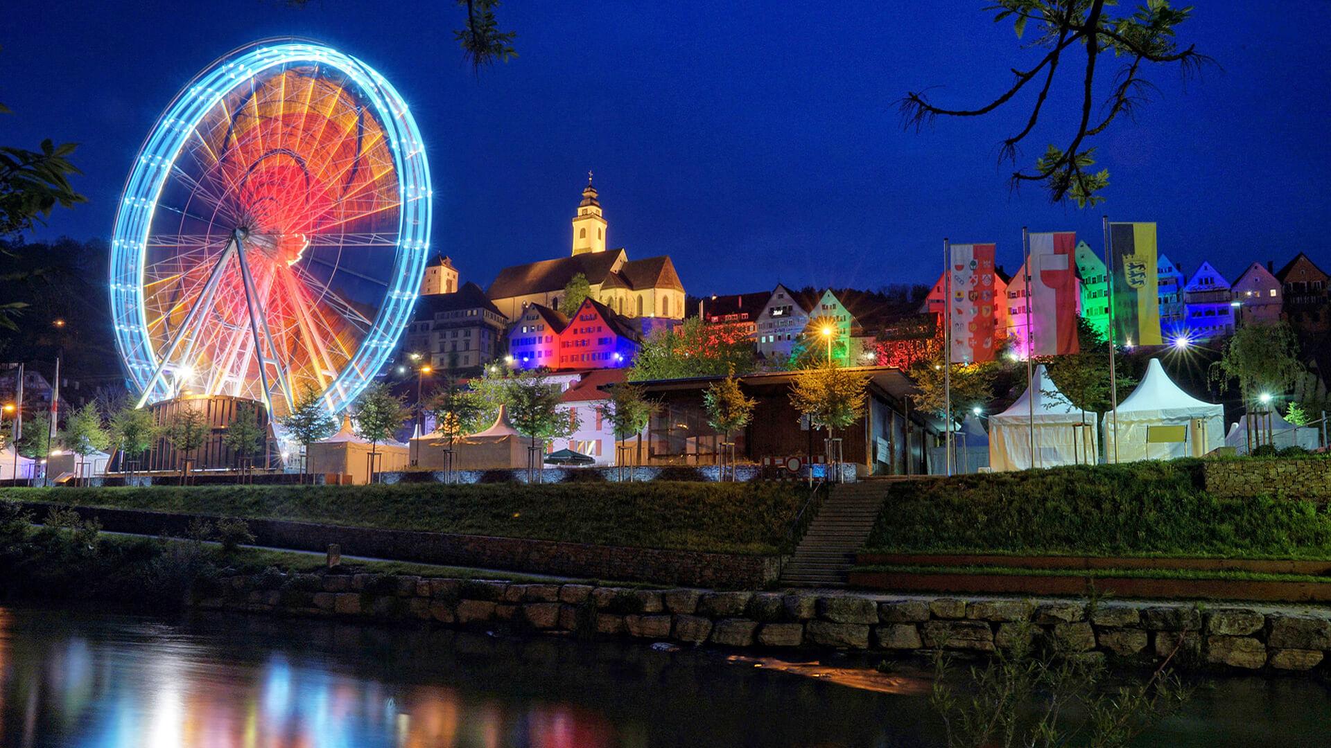 Horb Feiert bei Nacht mit Beleuchtetem Riesenrad | Horb am Neckar