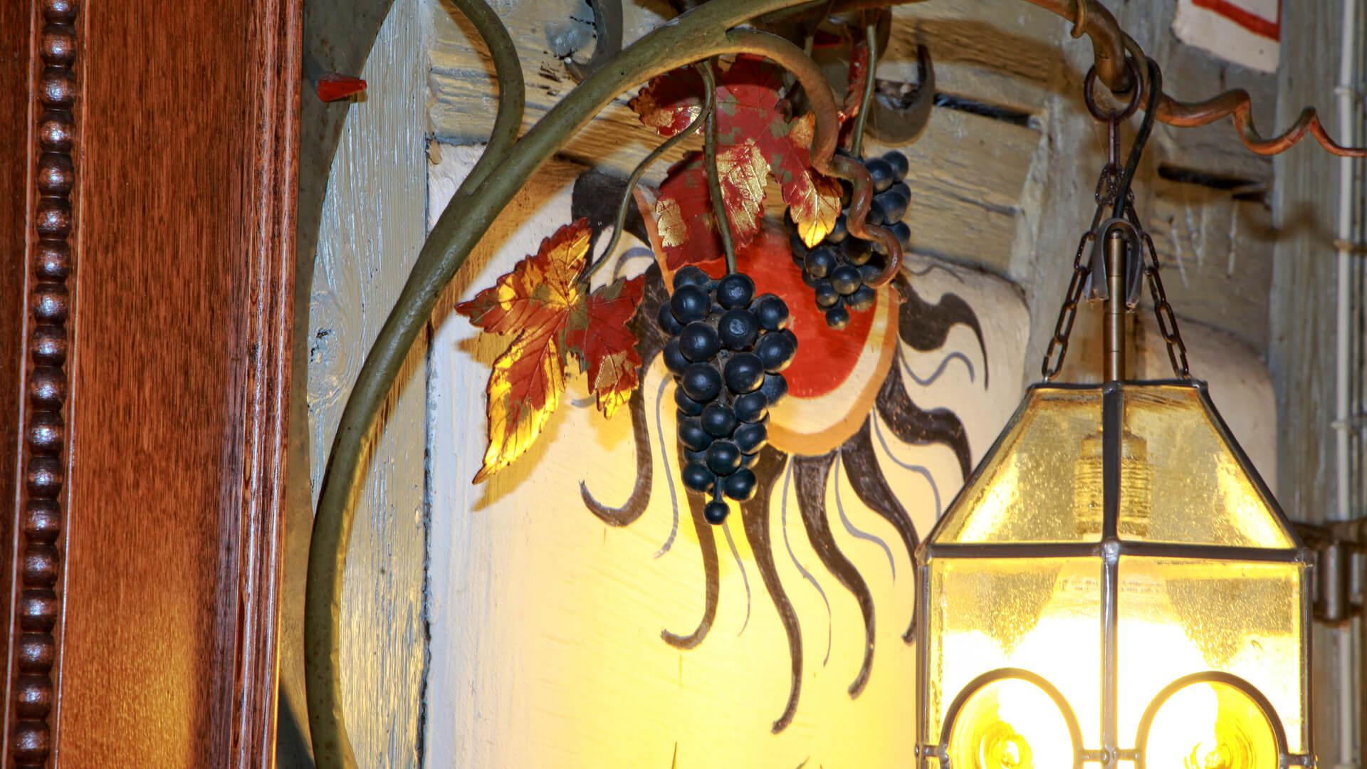 Trauben vor der Wirtschaftstür | Hotel-Gasthof Schiff - Horb am Neckar